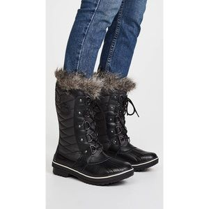 Sorel Tofino Black Quilted Fur Lined Winter Boots